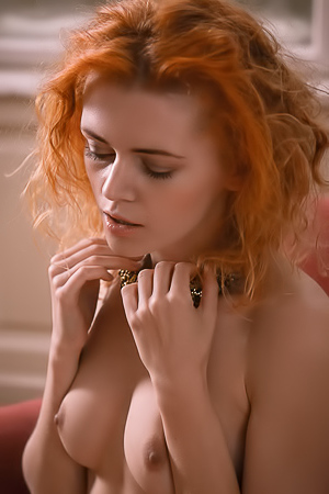 Redhead Hottie Kate Ri Showing Pussy